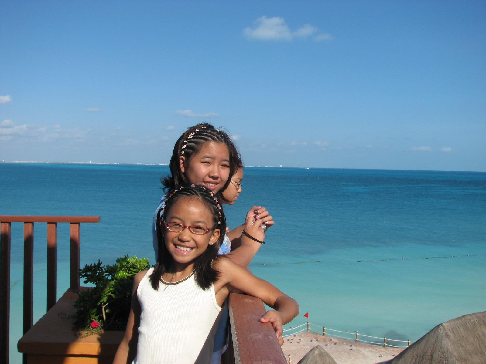 Cancun ladies